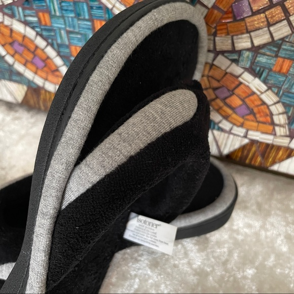 Isotoner Excellent Condition Thong Slipper 7.5-8